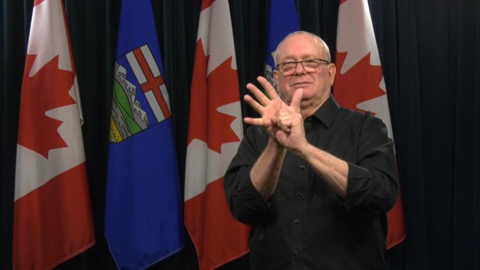 Deaf interpreter Randy Dziwenka