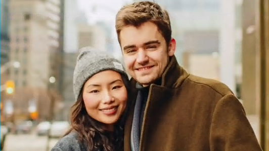 Liam Mather lives with his girlfriend in Beijing.