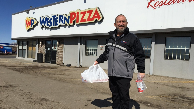 Spiro Bonis from Western Pizza is donating meals to frontline workers amid COVID-19 (Gareth Dillistone / CTV News Regina)