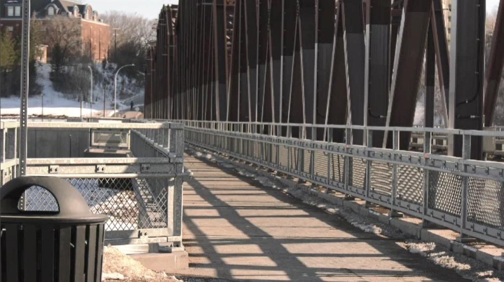 Saskatoon victoria bridge