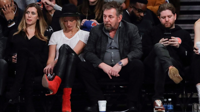 New York Knicks owner James Dolan, centre, in New York, on Jan. 29, 2020. (Frank Franklin II / AP)