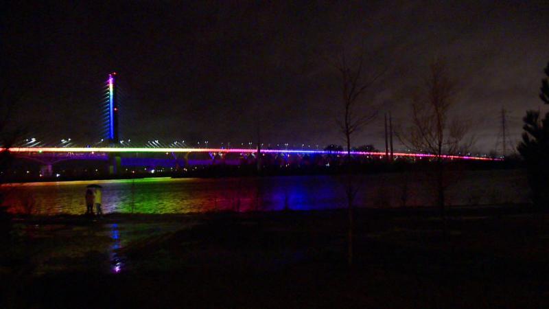 Rainbow Champlain Bridge / Cosmo Santamaria CTV Montreal