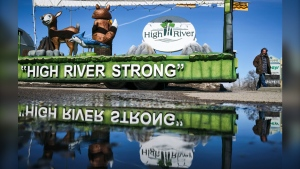 A parade float encourages residents to stay strong in High River, Alta., Friday, March 27, 2020, amid a worldwide COVID-19 flu pandemic. THE CANADIAN PRESS/Jeff McIntosh