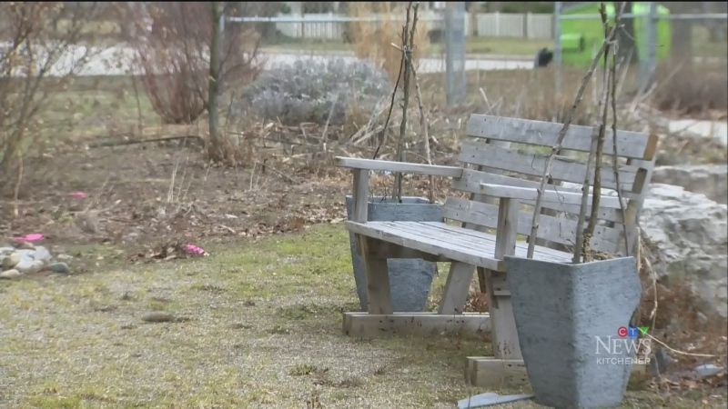 Ontario closes outdoor recreational facilities