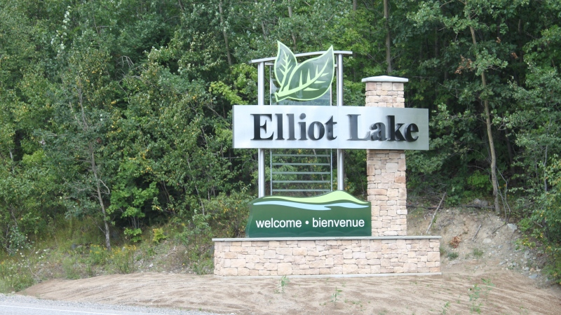 Elliot Lake Sign. April 1, 2020 (Alana Pickrell/CTV Northern Ontario)