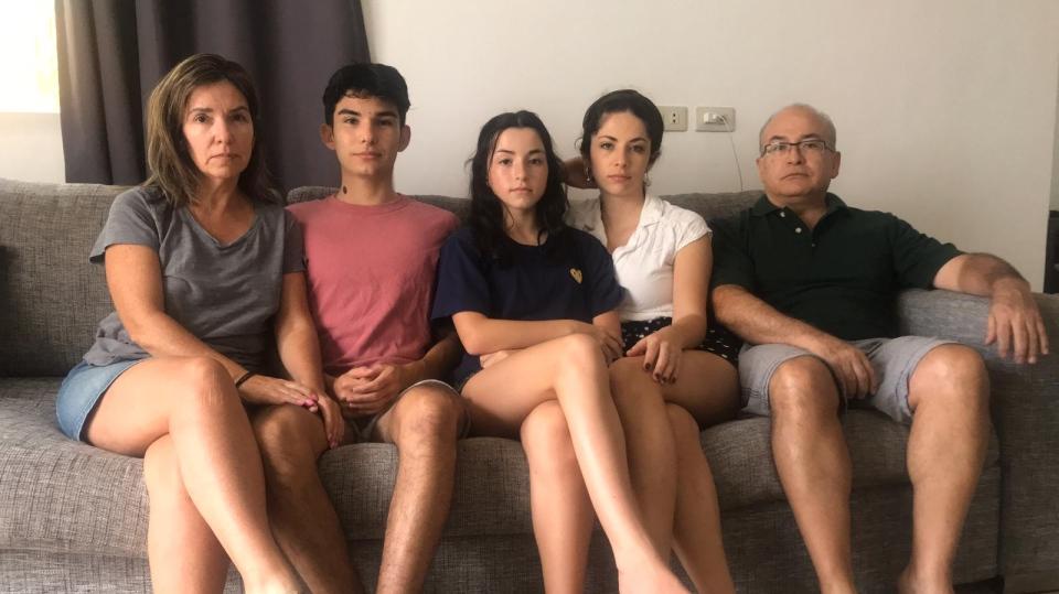 Carla Olle family