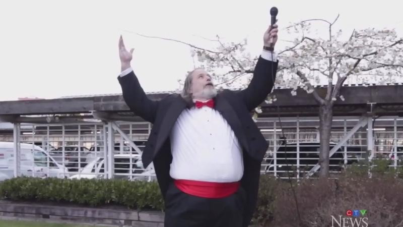 Canucks' anthem singer serenades nurses, doctors