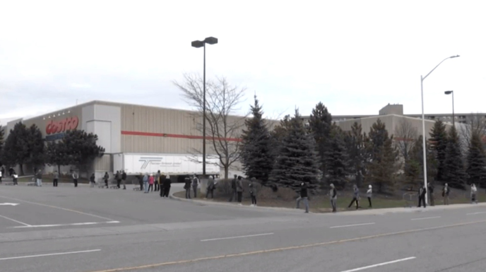 Costco lineupe in London, Ont.