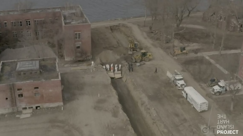 Video of mass burial at New York's Hart Island