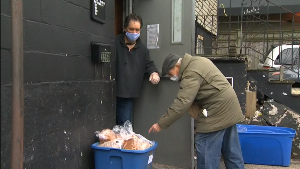 Outside a food bank amid the coronavirus pandemic. (CTV News)