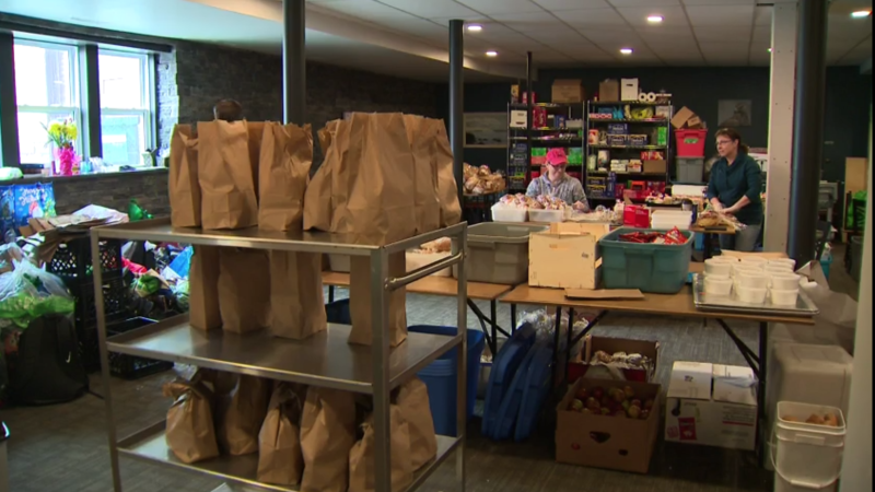Inside a food bank during the coronavirus pandemic. (CTV News)