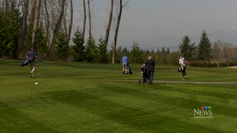 Mayor wants golf courses shut down