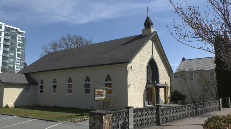 With churches and synagogues closed and services cancelled because of the novel coronavirus, religious leaders across Vancouver Island have found new ways to connect with people. (CTV)