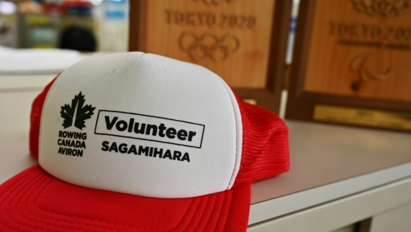 Hundreds of Sagamihara residents turned out to cheer Canadian youth athletes in town for a championships last year. (AFP)