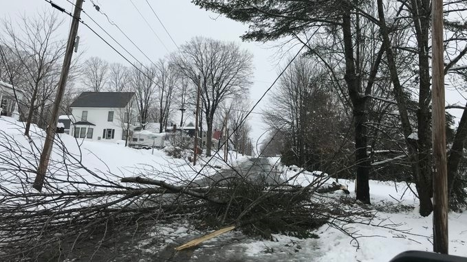 ME snowstorm causes power outages