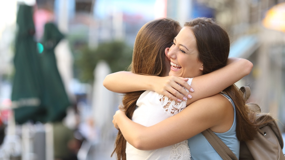 COVID-19: Is it safe to hug a friend or loved one? | CTV News