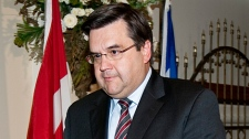 Federal Liberal MP Denis Coderre walks away after announcing that he is stepping down as the party's Quebec lieutenant and defense critic during a news conference in Montreal on Monday, Sept. 28, 2009. (Paul Chiasson / THE CANADIAN PRESS)