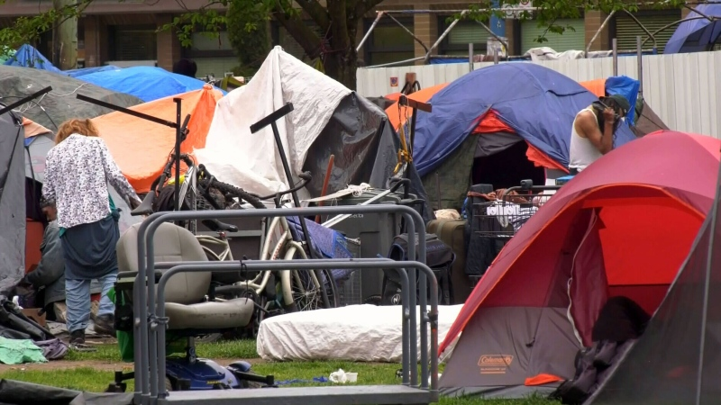 Province orders dismantling of homeless camps