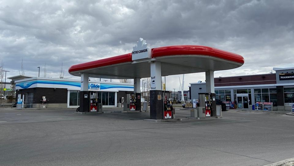 Seton, Petro-Canada, gas prices