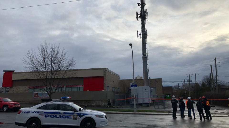 Laval cellphone tower