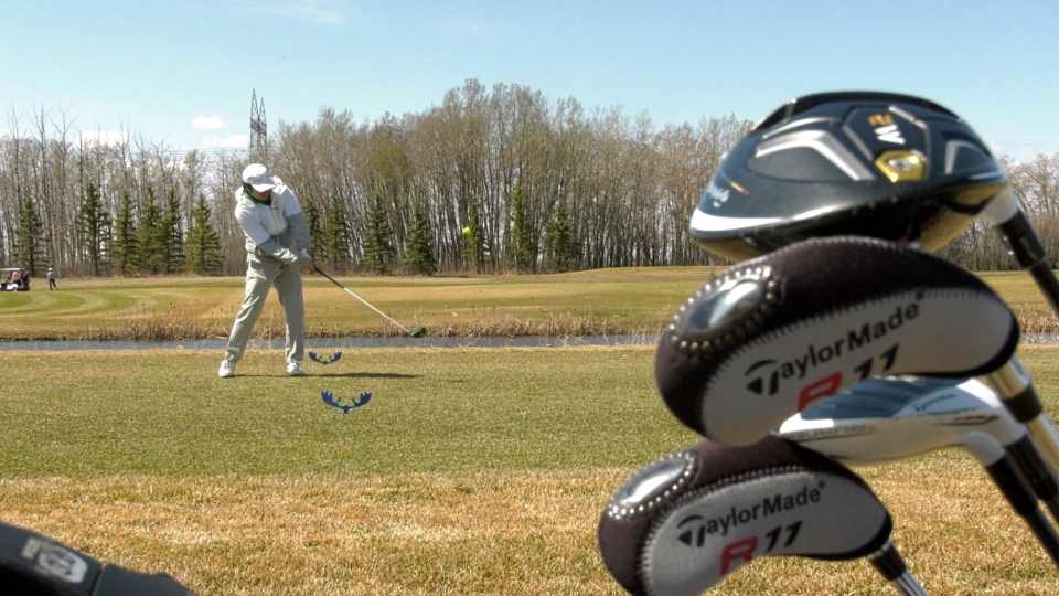 A golfer hits the course in Calgary. (Timm Bruch/CTV News Calgary)