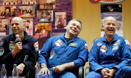 Guy Laliberte and astronaut.