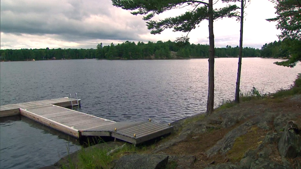 Ontario cottage country sparks COVID-19 debate