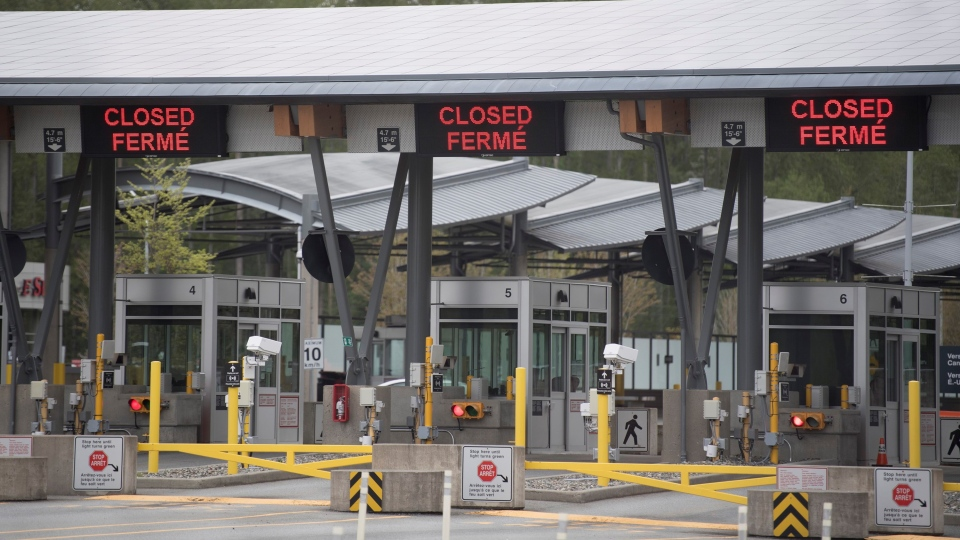 Part of Canada's land border with the United States is pictured closed at the Peace Arch border crossing in Surrey, B.C., Tuesday, April 28, 2020. (Jonathan Hayward / THE CANADIAN PRESS)