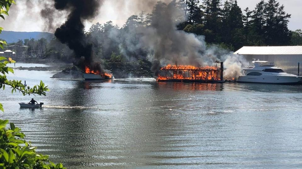 1 dead, 2 injured in fire