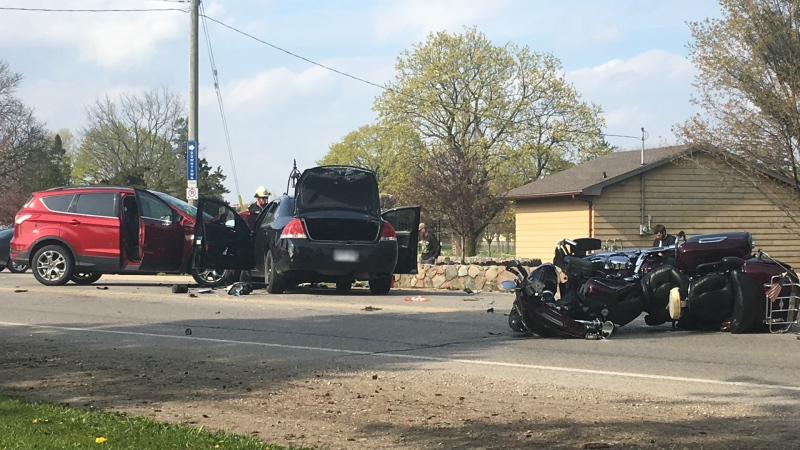 Crash in St. Thomas at Sunset Road and Wilson Avenue,  between Shaw Valley Drive and Elm Street on Saturday, May 16, 2020 (Brent Lale / CTV News)