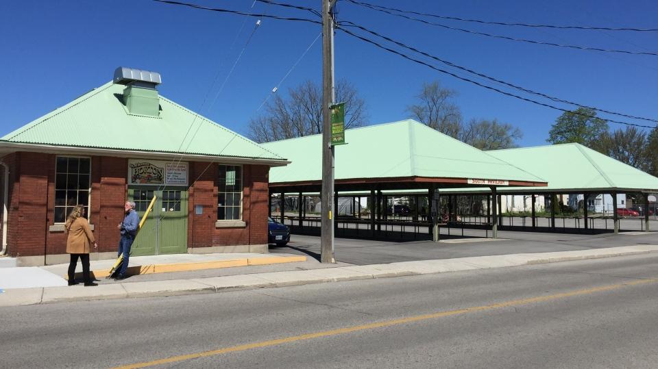 Hortons Farmers' Market exterior