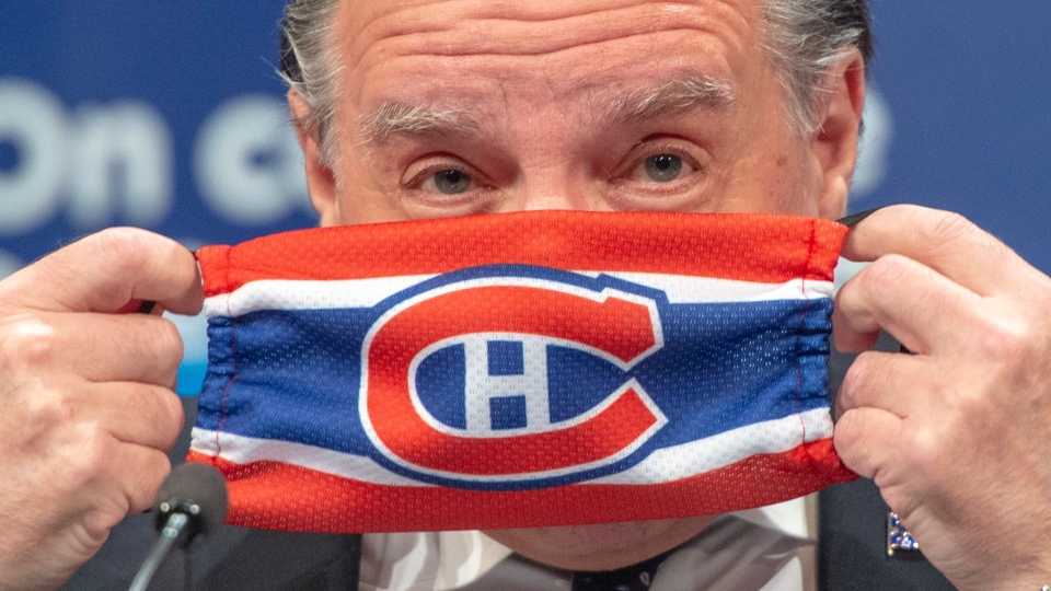 Premier Legault was in Montreal handing out masks