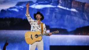 Paul Brandt performs at the Canadian Country Music Awards in Calgary on September 8, 2019. THE CANADIAN PRESS/Jeff McIntosh