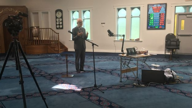 Dr. Munir El-Kassem delivers prayer at London Muslim Mosque in London, Ont. on May 24, 2020. (Brent Lale/CTV London)