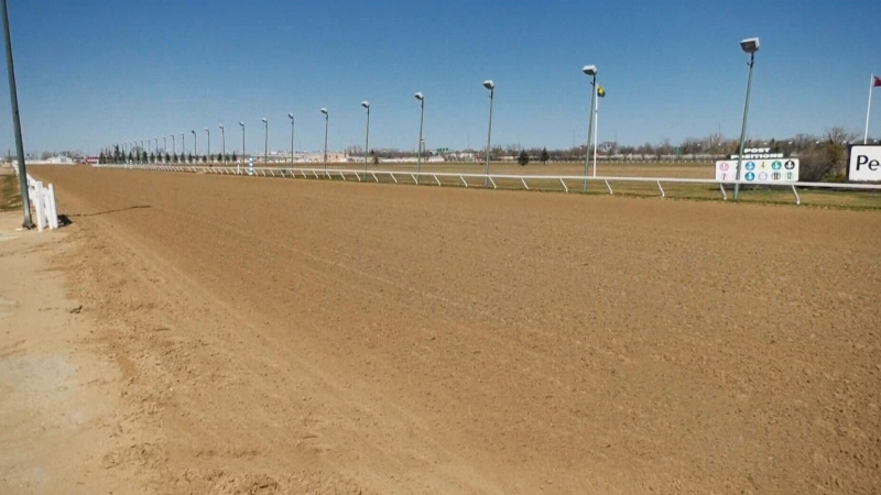 Horse racing resumes in Manitoba