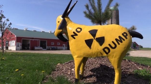 Anti-nuclear waste dumping sign near Teeswater Ont. on May 25, 2020. (Scott Miller/CTV London)