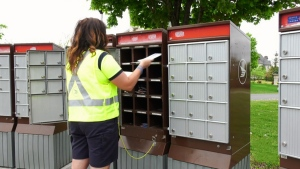 Canada Post delivering peak volumes