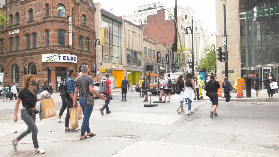 Shoppers return to downtown Montreal