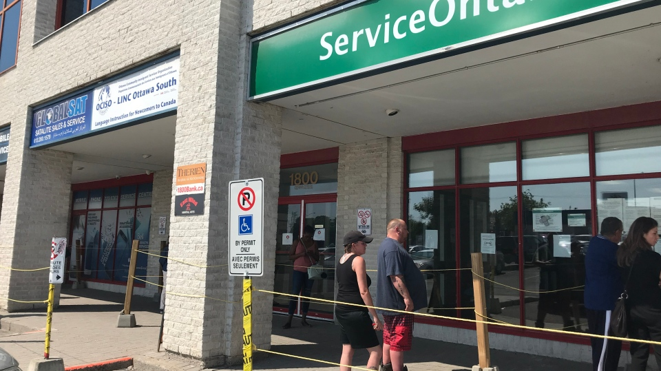 More than 100 people were in line at the Service Ontario office when it opened on Wednesday, May 27. (Leah Larocque/CTV News Ottawa)