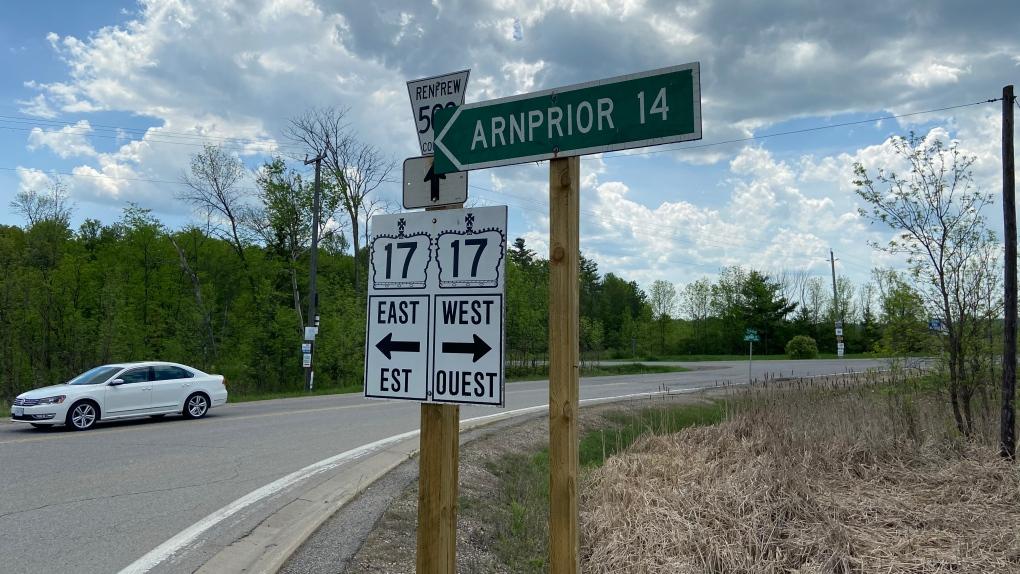 Highway 17 between Anrprior and Renfrew