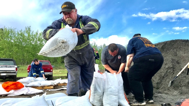 'We could be in trouble': Alberta Beach residents sandbagging homes facing highest water since '74