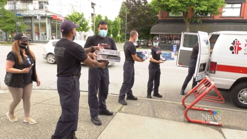 Vancouver firefighters get into holiday spirit