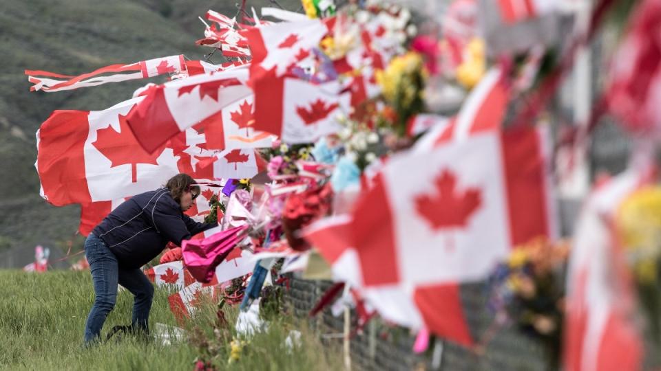 Memorial on the Kamloops Airport fence