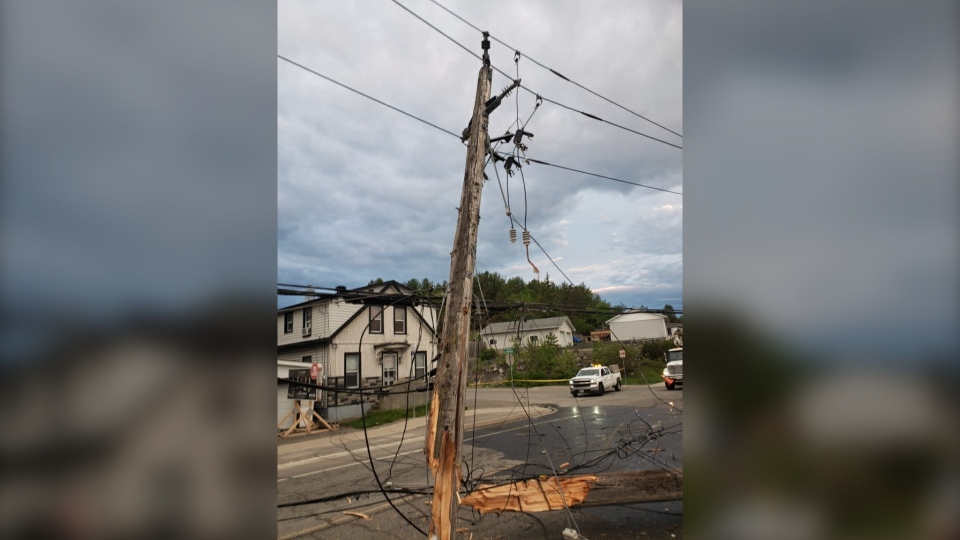 About 350 homes were left without power for a few hours Monday in Minnow Lake on Monday. Greater Sudbury Hydro said the outage was caused when a vehicle crashed into a hydro pole around 5 a.m.