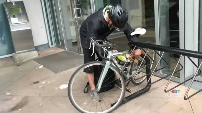 Suspected thief takes grinder to bike lock