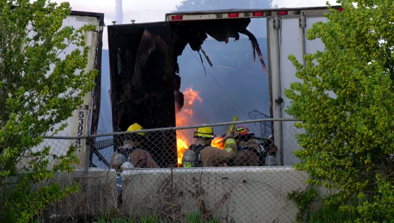 A southeast Calgary fire was quickly extinguished by Calgary fire fighters Monday night.