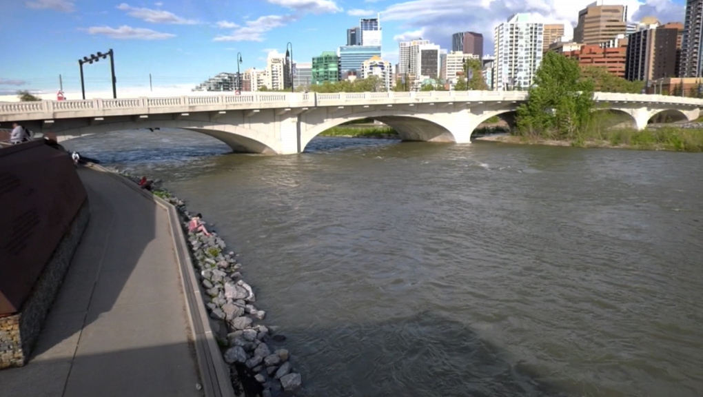 Bow River, Louise Bridge, Memorial