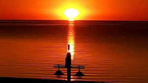 Sunset at Gimli. Photo by Albert McLeod.