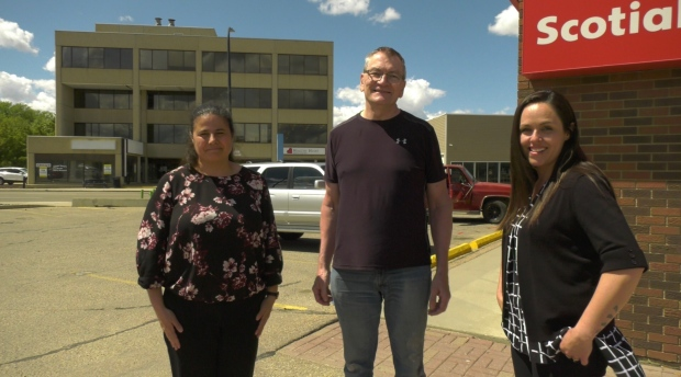 'These girls saved my life': Bank employees credited with saving man after heart attack