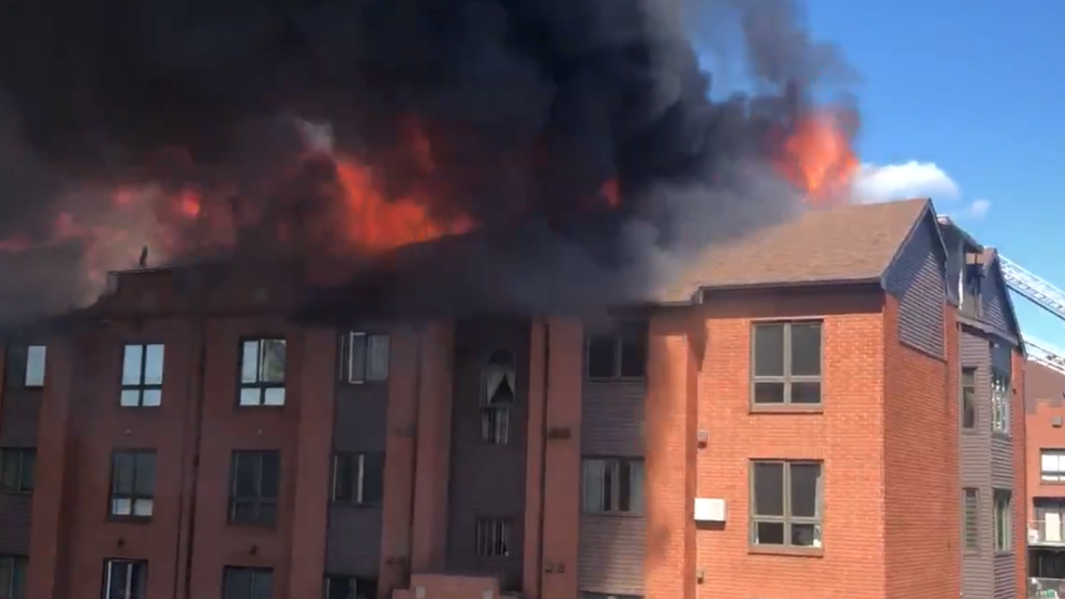 A fire burns at a condo building on rue de Morency in Gatineau June 6, 2020. (Photo courtesy of Thomas Brownrigg / Melanie Brousseau / Twitter)